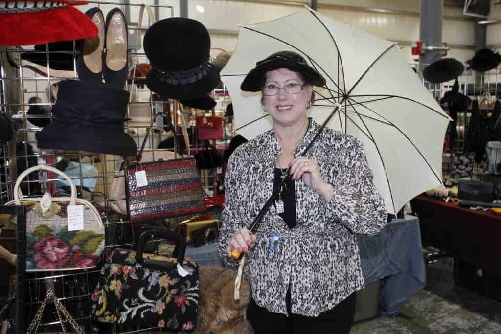 Grayslake Illinois Antique Flea Market Vendor