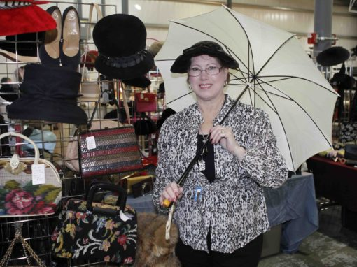 Grayslake Illinois Antique Vintage Flea Market