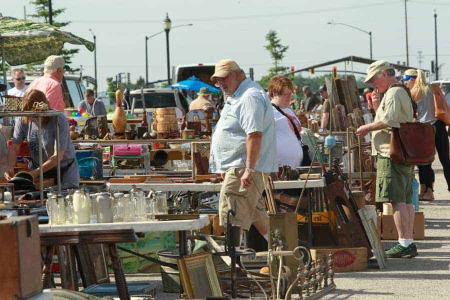 Grayslake Illinois Antique Vintage Flea Market