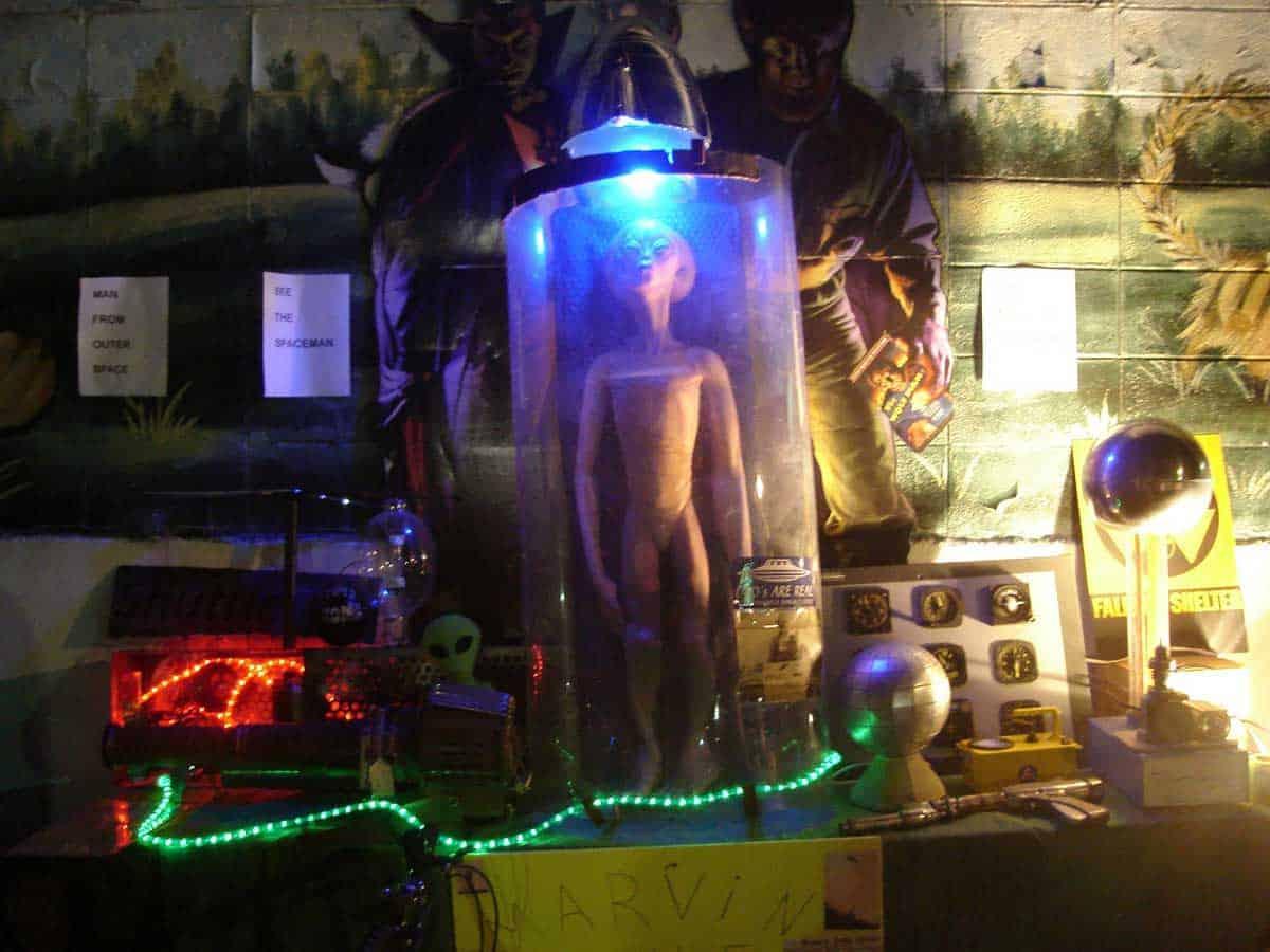 Wheaton-Illinois-All-Night-Flea-Market-06