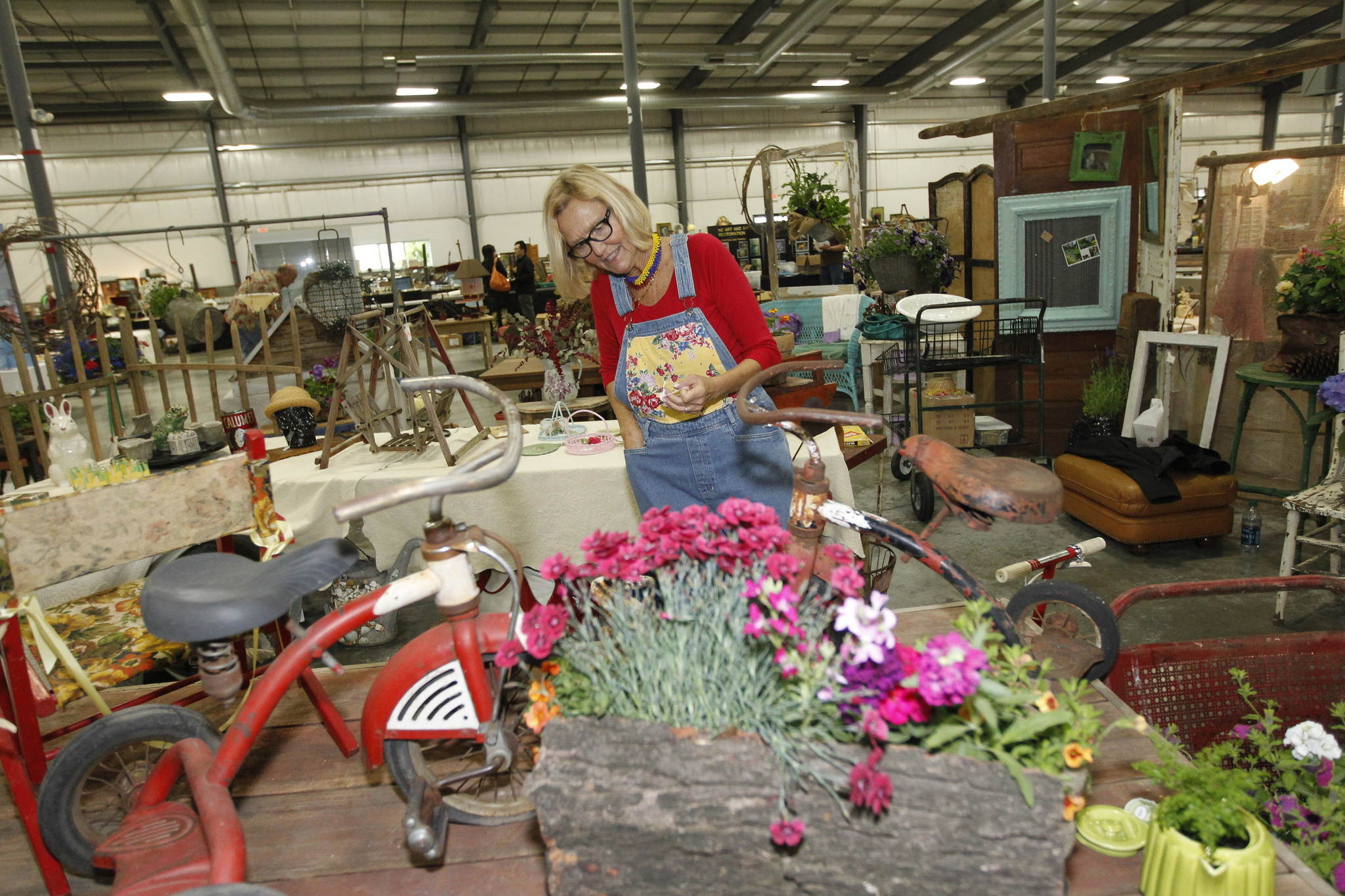 Grayslake illinois vintage flea market zurko promotions for Antique fairs and flea markets 2016