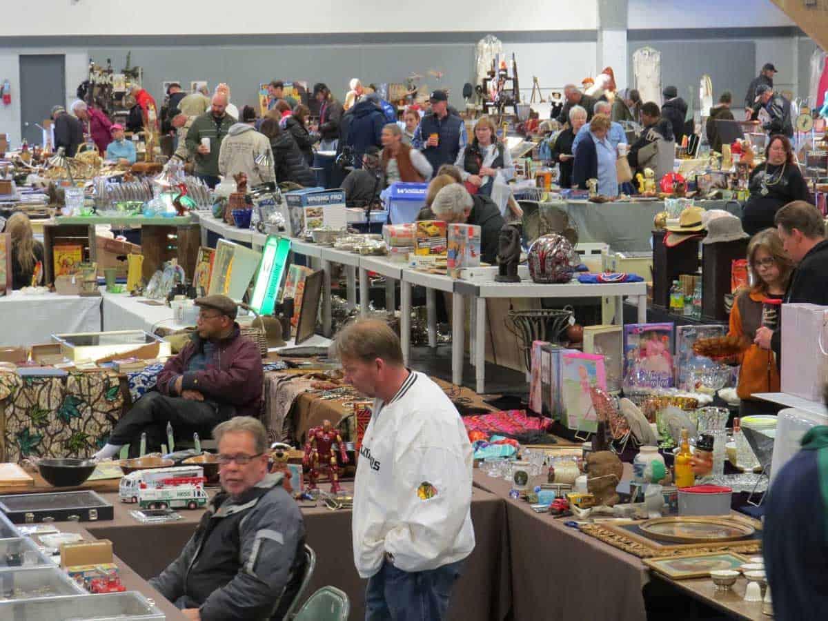 Wheaton chicagoland illinois antique vintage flea market for Antique fairs and flea markets 2016