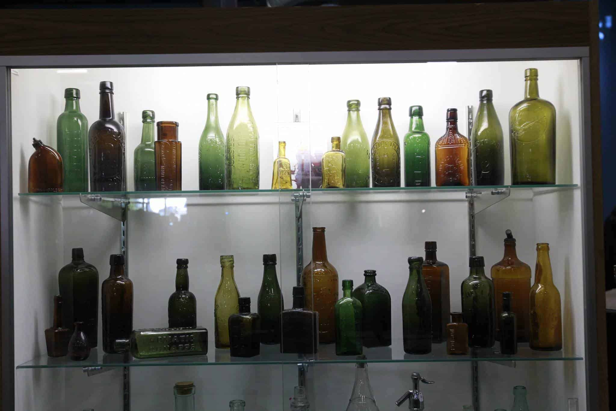 Chicago Grayslake Illinois Antique Bottle Show